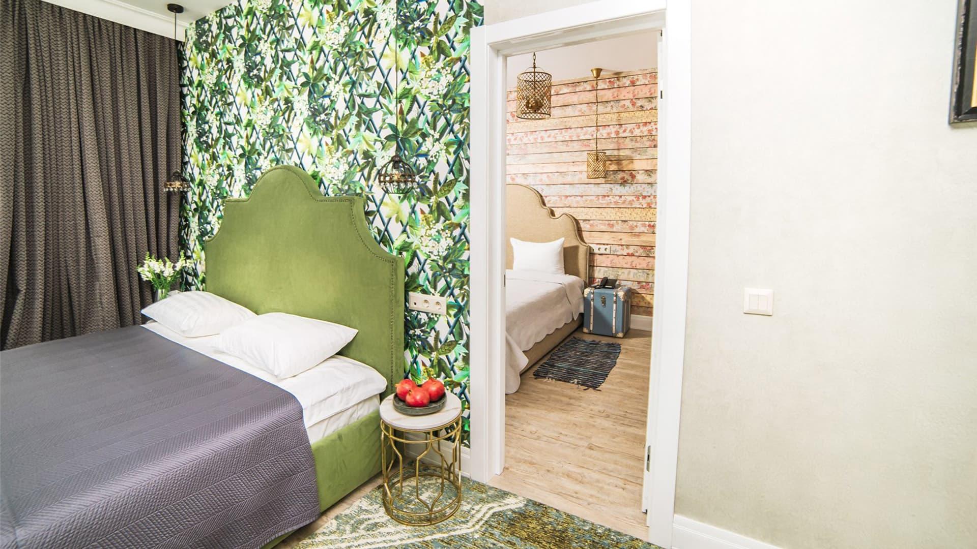 Улучшенный семейный номер с двумя спальнями и балконом